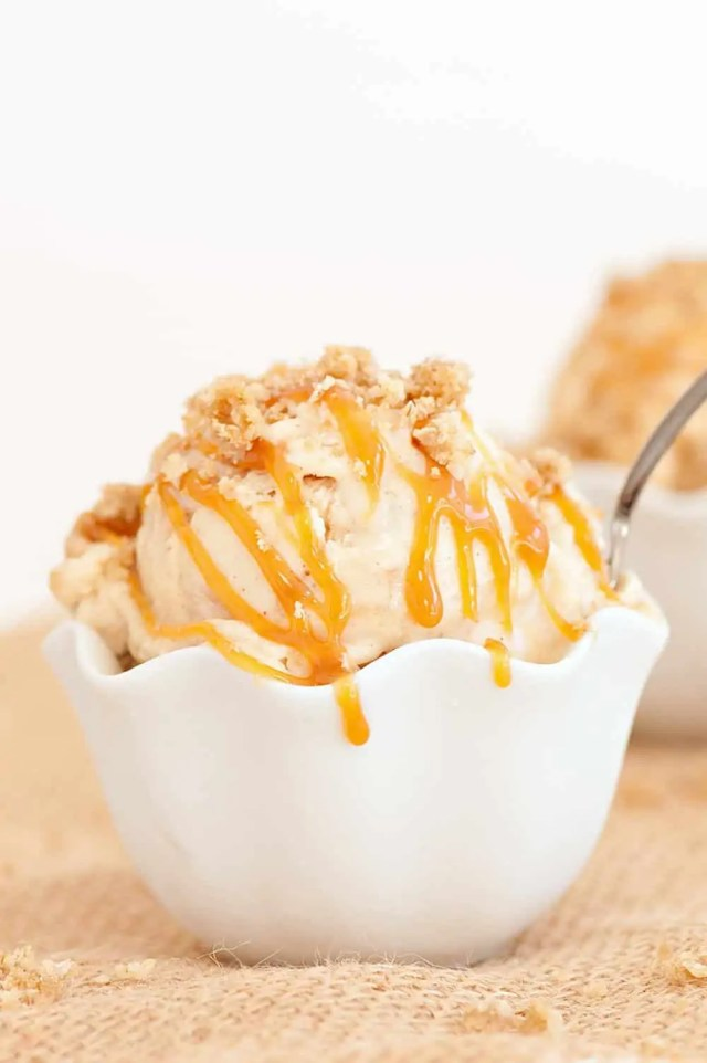 caramel apple crumble ice cream recipe - sugar and cloth