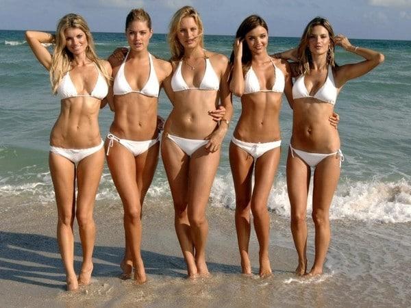 hot_girs on the beach