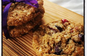 Cranberry & White Chocolate Oatmeal Cookies