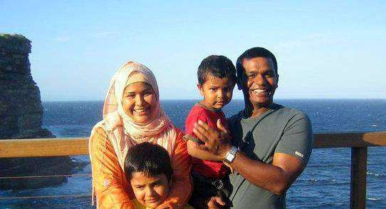 Aminul Islam Bulbul Bangladeshi Cricketer with his wife and children