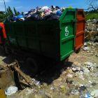 Derita Petugas Kebersihan Dibalik Gemerlap Piala Adipura
