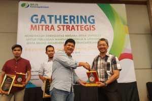 Semen Padang Raih Penghargaan BPJS Ketenagakerjaan