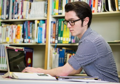 Senior David Fejeran working on a lesson plan. Photo by Nicolas Cordero.