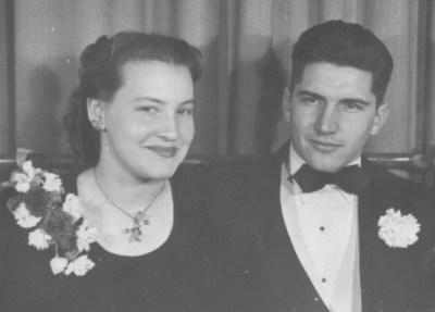 Arlene and Maury Bateman on their wedding day