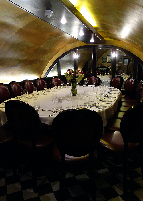 Tuttons covent garden dinner in the piazza sunny in london for Best private dining rooms covent garden