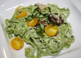 Fresh Arugula Pasta with Creamy Garlic-Mushroom Sauce