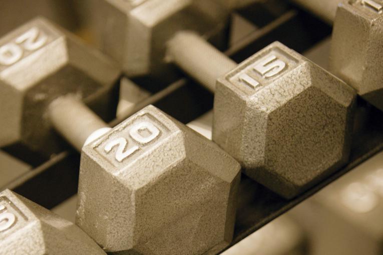 Weight - Bodybuilding vs Powerlifting
