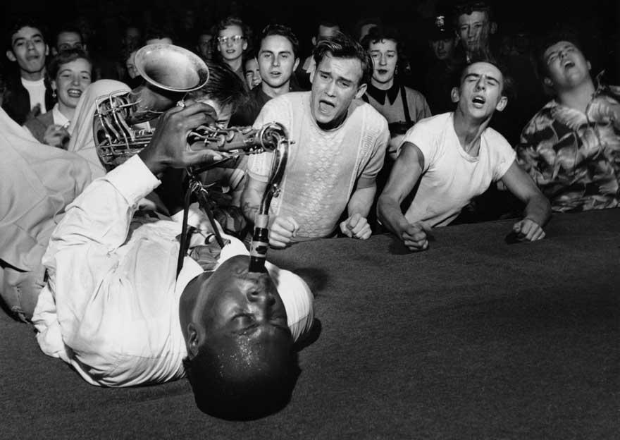 Во время концерта Джея Макнили в Лос-Анджелесе, 1953 год