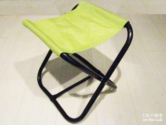 100均折りたたみ椅子