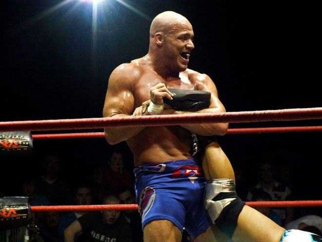 Kurt Angle aplicando uel ankle lock / Photo by ilovehoovering Flickr.com