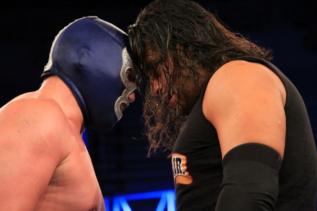 Blue Demon Jr. vs Texano Jr. en Rey de Reyes 2013 / luchalibreAAA.com