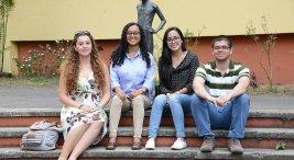 Estudiantes de ingles sobresalen en prueba internacional