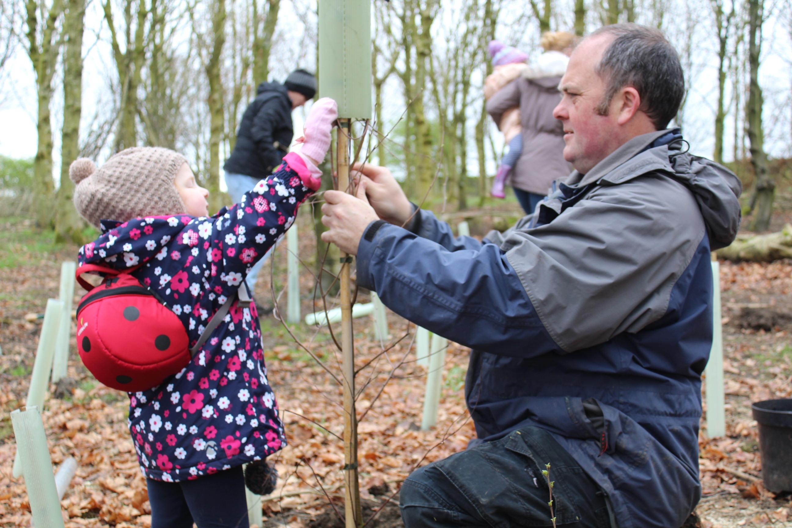 Family Tree Planting 04.04 (21)