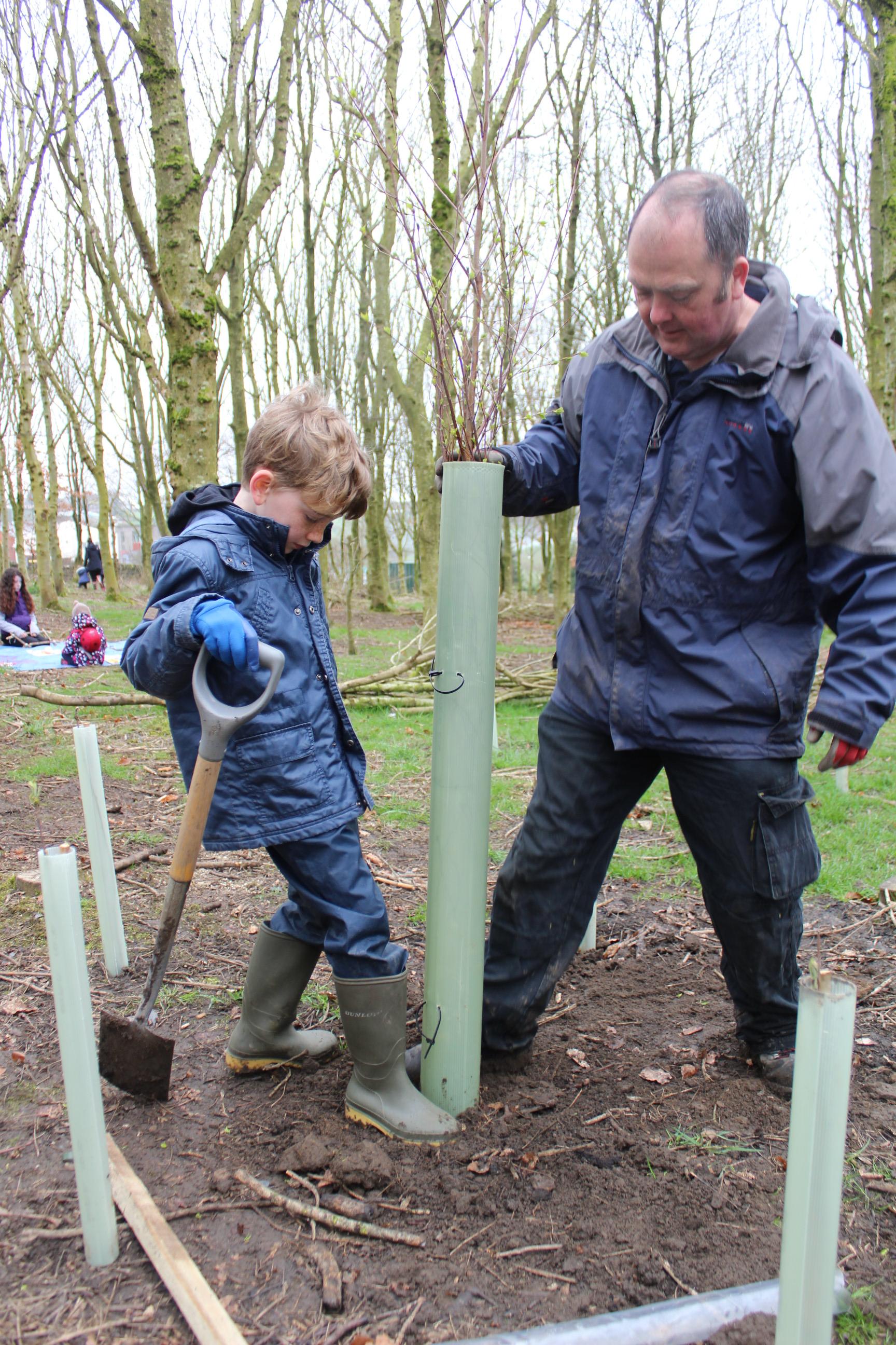 Family Tree Planting 04.04 (41)