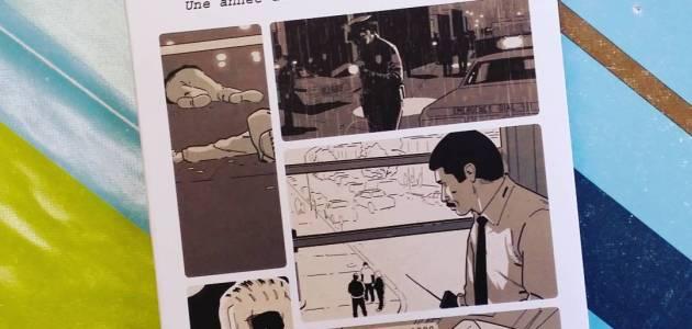 #Chronique #BD : Homicide 1, Philippe Squarzoni, @DelcourtBD Après un étonnant détour par l'héroïc-fantasy avec Mongo est un troll, voici Squarzoni de retour avec une adaptation du documentaire de David Simon ayant inspiré le série The wire.. Le titre nous plonge au coeur la brigade criminelle de Baltimore, ville rongée par le crime, à la fin des années 1980. Et pour adapter un tel portrait sans jamais basculer dans le sensationnel, il ne pouvait y avoir que l'auteur de Dol.N'ayant pas lue, ni vue la célèbre série TV tirée de l'oeuvre originale, j'ai été très surpris par l'approche documentaire de l'album. On ne s'attend pas du tout à ça avec un tel sujet. Tout n'est que quotidien routinier bordé de procédures fastidieuses et lassitude dû à  la succession trop rapide d'affaires trop semblables. Oublié le sensationnel des séries TV et autres fictions grand public. Ici tout n'est qu'ennui et désespoir de pouvoir améliorer le quotidien.  Enfin pas d'ennui pour le lecteur car on se prend vite d'intérêt pour ce quotidien inattendu vécu par des hommes ordinaires avec leurs forces et leurs faiblesses. Le dessin de Squarzoni donne parfaitement corps aux ambiances souvent désolées et presque toujours poisseuse des situations. Le ton de l'investigation, il le connaît parfaitement et le traduit ici à nouveau avec brio. La lecture plonge ainsi le lecteur exactement au milieu de ses inspecteurs désabusés. Un excellent travail.