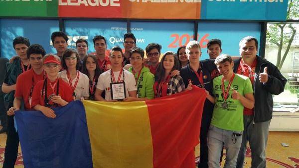 Locul al treilea la Campionatul Mondial de Robotică, cucerit de elevi români