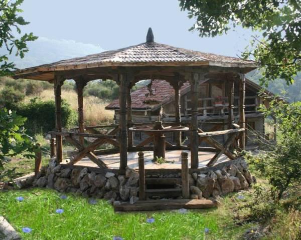 despre-case-din-lemn-vechi-mester-Danut-Hotea-case-rustice-din-lemn-14
