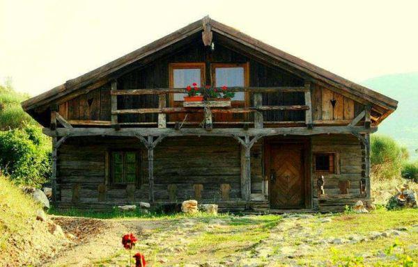 despre-case-din-lemn-vechi-mester-Danut-Hotea-case-rustice-din-lemn-36