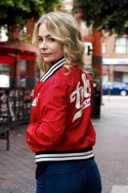 red bomber jacket sustainable fashion japan japanese thrift store shop blog blogger little tokyo fukui