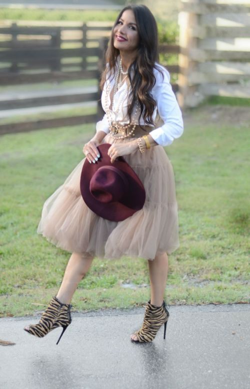 How To Wear A Tulle Skirt Over 40