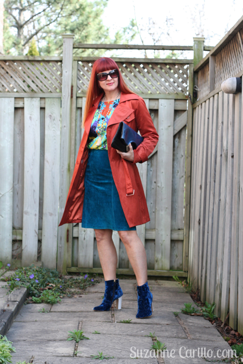 how to wear a bright trenchcoat over 40 suzanne carillo