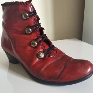 red booties jose saenz