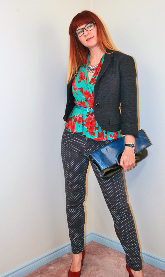 Suzanne Carillo, a fashion blogger, wears two different patterns on top and bottom. She provides tips on how to mix prints in her blog post.