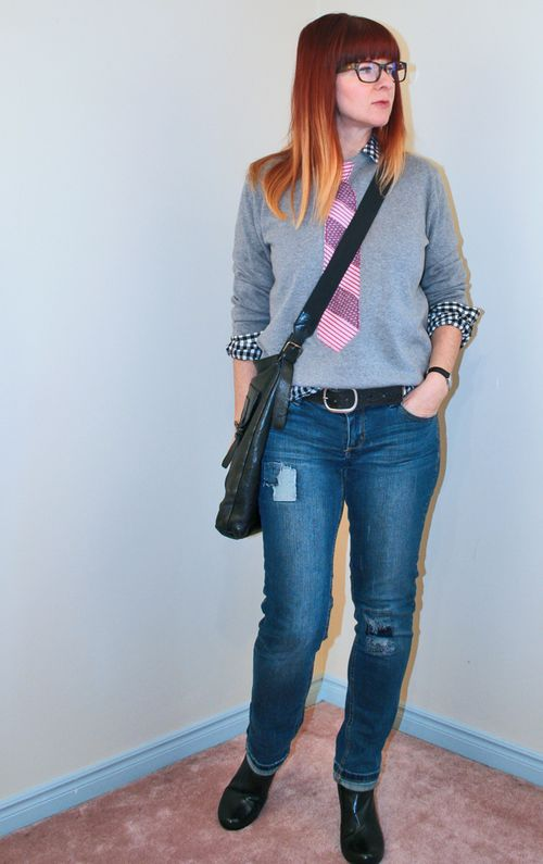 DIY sweatshirt tie cross body bag