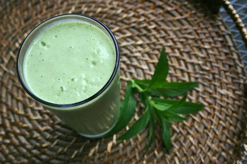 Taste of the tropics green smoothie
