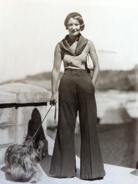 Wide leg trousers 1940s