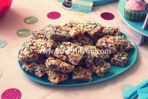 rainbow sprinkle rice krispie treats
