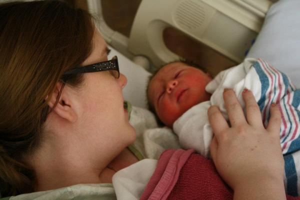 newborn Avery and mommy