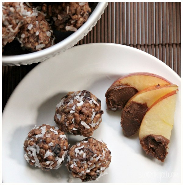 Reese's Spreads cereal bites and apples! #AnySnackPerfect #ad