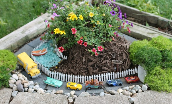 DIY Race Car Garden Outdoor car track