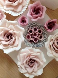roses vintage en pâte à sucre