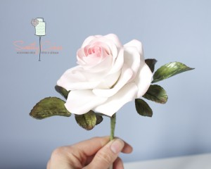Rose blanche en gumapste