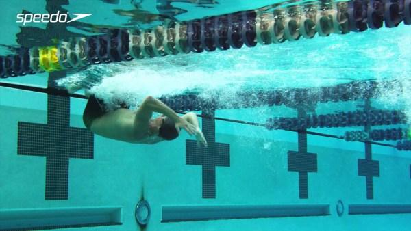 ロクテの背泳ぎのターン
