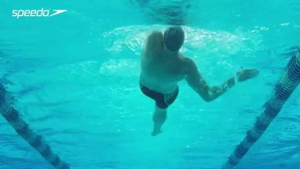 ロクテの背泳ぎのストローク