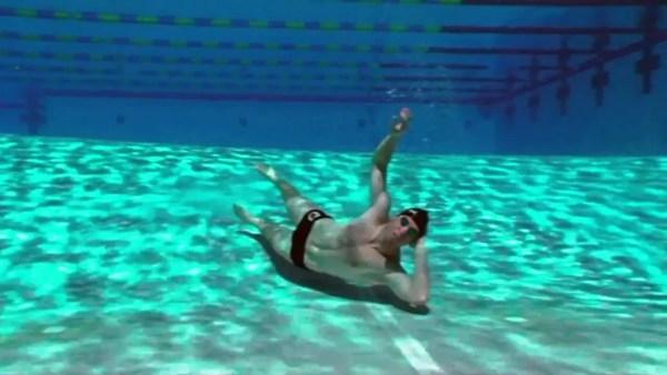 たまには水中で遊ぼう!水中芸術コンテスト