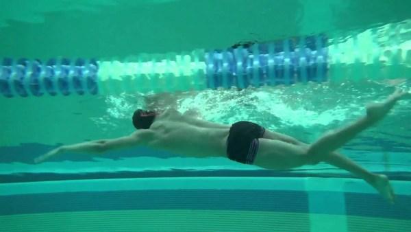 泳ぎを確認する為のドリル『5ストロークストップ』