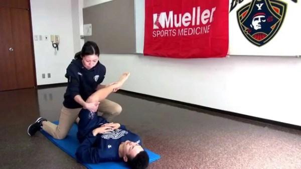 腰痛予防の為の臀部外旋筋のストレッチ