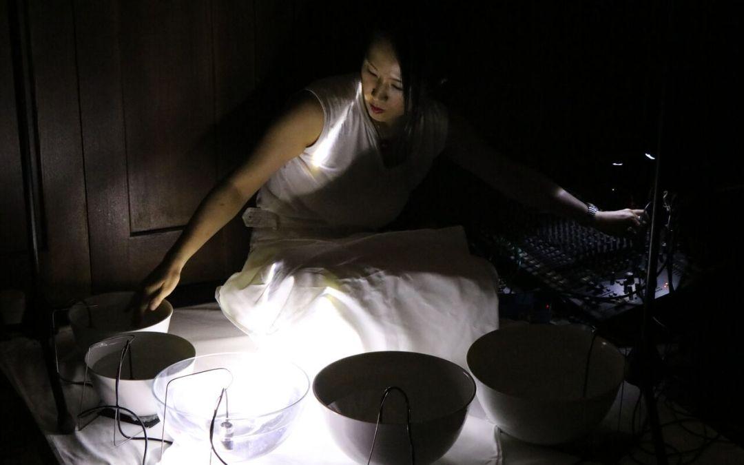 Ako sa mení voda na zvuk? Už v piatok sa predstaví Tomoko Sauvage vo Fuge