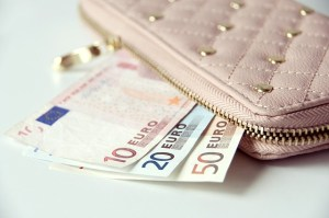 wallet-867568_640