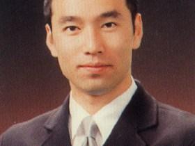 李秀賢さんの肖像写真