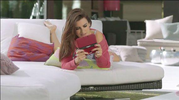 New Super Mario Bros. 2 - Penelope & Monica Cruz TV ad