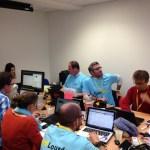 Visite de la salle de communication sur les réseaux sociaux - salle de community management