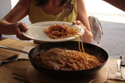 Spaghetti amatriciana spécialement préparé pour nous puisque le plat n'est pas sur le menu. Délicieux!