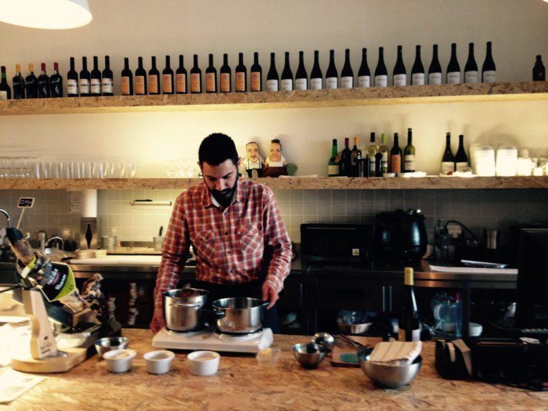 chef convidado tábua rasa - rissoto alheira com queijo de cabra transmontano velho