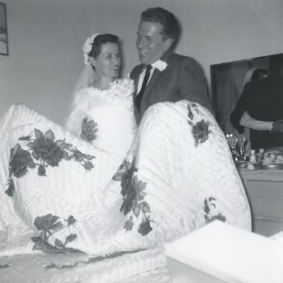 hand painted wedding quilt for hope chest 1959