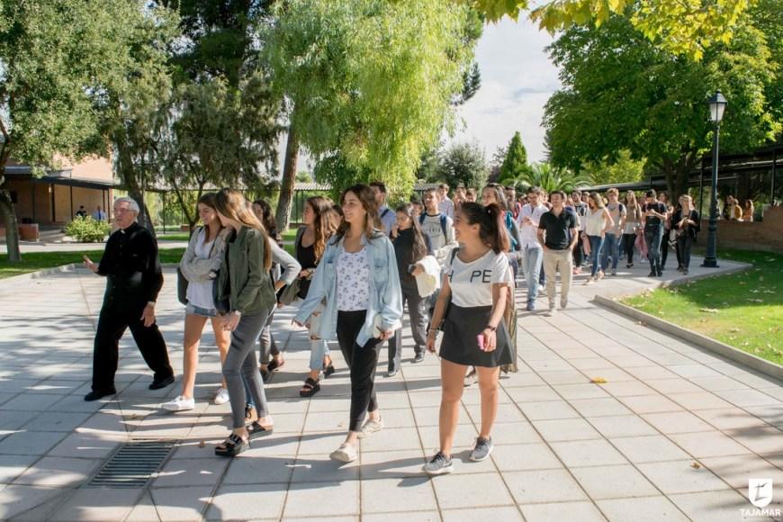 Ortiz-Echagüe enseña Tajamar a estudiantes de arquitectura